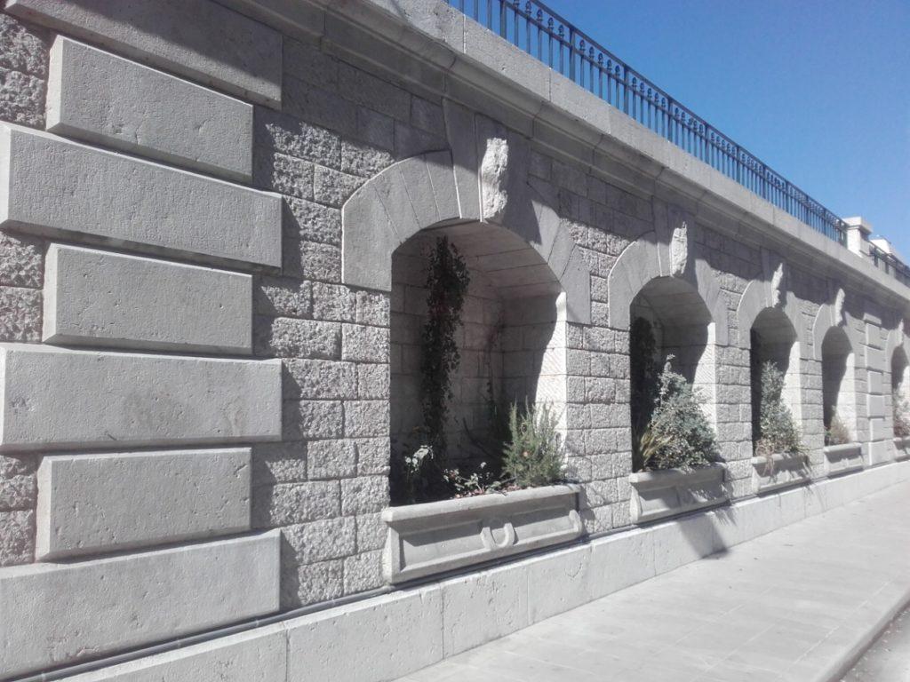 Le mur après les travaux de décapage par aérogommage