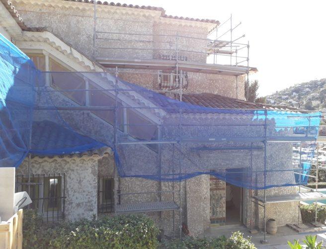 Décapage par sablage d'une façade de villa